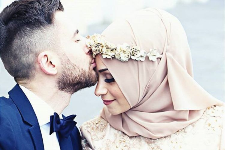 Perbuatan Istri yang Disukai Suami